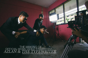 azlan and the typewriter | Pasar Karat